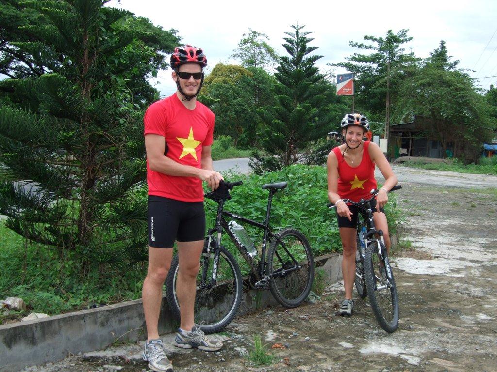 BIKERS IN VIETNAM FLAG